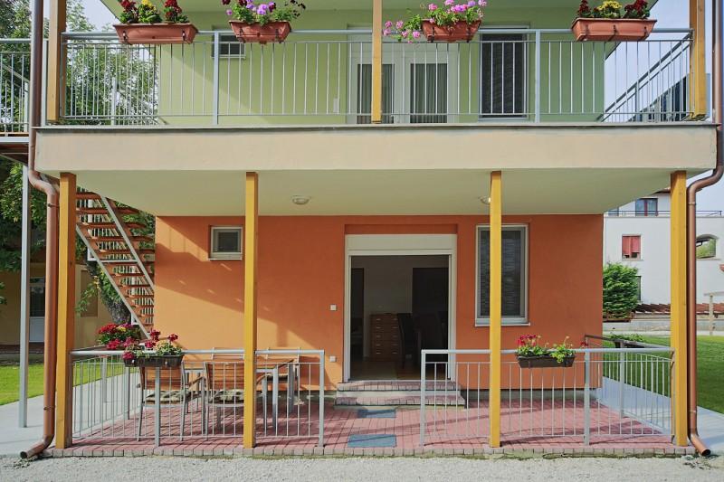 4 fős apartman, 2 hálótérrel és nappalival. Pótágyazható