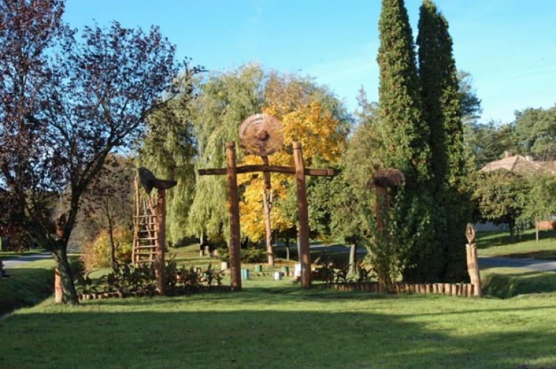 Kéthely - Park és játszótér