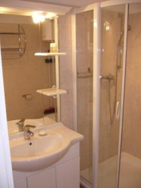 B apartman fürdő